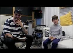 Enlace a El rapero Tote King entrevista al hijo del gran David Bravo