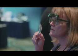 Enlace a Inventan Glassouse, las gafas que son capaces de mover el cursor del ordenador con la mirada