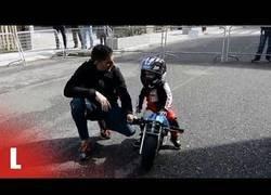 Enlace a Un niño gallego ha batido el récord Guinness al ser el piloto más joven
