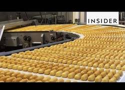 Enlace a Así es el proceso para hacer la bollería industrial