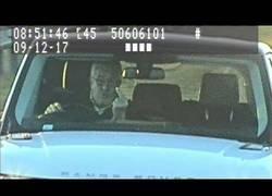 Enlace a Le hizo la peineta al radar de tráfico y ha sido condenado a 8 meses de cárcel