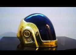 Enlace a Creando desde cero el casco de Daft Punk