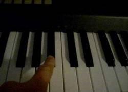 Enlace a Como crear el sonido de alerta en Metal Gear Solid con un piano