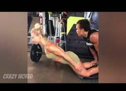 Enlace a La increíble forma física de esta mujer que te sorprenderá con los ejercicios que es capaz de hacer