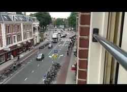 Enlace a La gran gestión de las carreteras de Amsterdam en hora punta