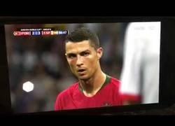 Enlace a Cambian el sonido de un partido de fútbol por el ambiente de un partido de gol y el resultado es épico