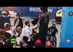 Enlace a Hincha inglés vandaliza la estatua de un legendario futbolista ruso