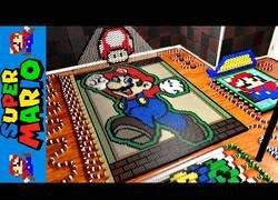 Enlace a El universo de Mario en 24.000 piezas de dominó