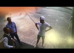Enlace a El rápido robo de un reloj de 40.000€ a un turista de Barcelona
