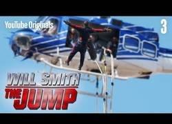 Enlace a ¡Will Smith salta de un helicóptero haciendo Bungee!