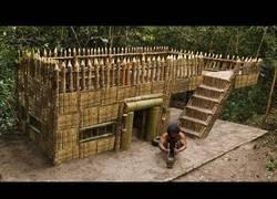 Enlace a Construyendo desde 0 una fantástica casa de supervivencia