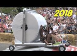 Enlace a Los mejores coches locos de la carrera Red Bull en Italia