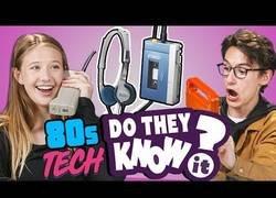 Enlace a Jovenes de ahora conociendo la tecnología de los 80