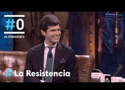 Enlace a La genial entrevista a César Noval en La Resistencia
