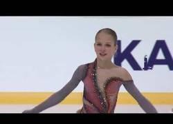 Enlace a La patinadora Alexandra Trusova hace historia al lograr el primer cuádruple tirabuzón de la historia del patinaje artístico