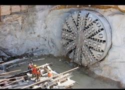 Enlace a Las grandes máquinas que se usan para crear túneles