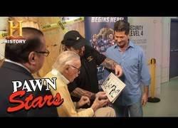 Enlace a Cuando el propio Stan Lee tuvo que autentificar su firma en Pawn Stars