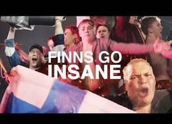 Enlace a Finlandia celebra la victoria en el campeonato Mundial de hockey hielo