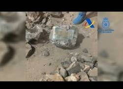 Enlace a La policía encuentra una tonelada de cocaína oculta dentro de falsas piedras