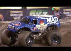 Enlace a Monster truck consigue realizar un