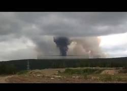 Enlace a Explota un arsenal militar en Siberia y evacúan a 11.000 personas