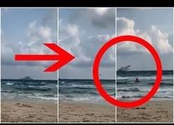 Enlace a Un caza del Ejército del Aire cae al mar en Murcia