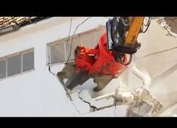 Enlace a Cómo demoler edificios de varios pisos con equipos especiales