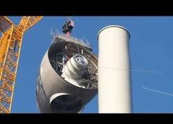Enlace a Así se construye la turbina de un aerogenerador o molino eólico