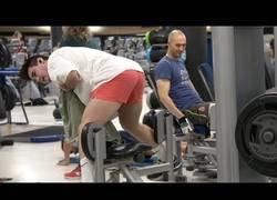 Enlace a ¿Alguna vez has visto a alguien haciendo ejercicios extraños en el gimnasio?