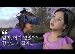 Enlace a Una madre se reencuentra con su hija fallecida gracias a la realidad virtual [SUBTÍTULOS EN ESPAÑOL]