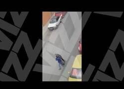 Enlace a Pelea en las calles de Gran Canaria durante el confinamiento