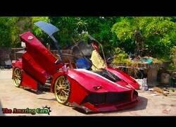 Enlace a Construyendo un Ferrari de cartón
