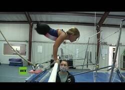 Enlace a Los entrenamientos de una niña de 8 años sin piernas para ser una gran gimnasta