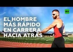 Enlace a El hombre más rápido del mundo marcha atrás