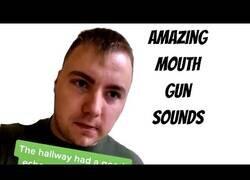 Enlace a Mr. Onomatopeya clava los sonidos de varias armas