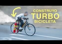 Enlace a Constuyendo una bicicleta con dos extintores como turbo