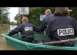 Enlace a En caso de inundación, nunca confíes en la policía francesa