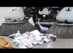 Enlace a Lo último en máquinas de recolección de basura en la calle
