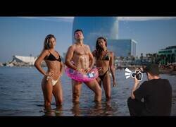 Enlace a Sesión de fotos vergonozosas en la playa [CÁMARA OCULTA]