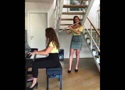 Enlace a Cover de los Simpson con flauta y piano