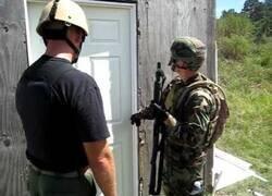 Enlace a Diferentes maneras de abrir una puerta con una escopeta