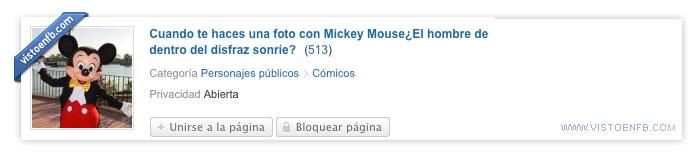dentro,disfraz,mickey,mouse,sonríe