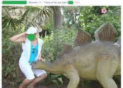 Enlace a Un dinosaurio picarón