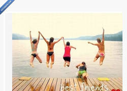 Enlace a Tus mejores amigas, siempre dejándote en ridículo en facebook