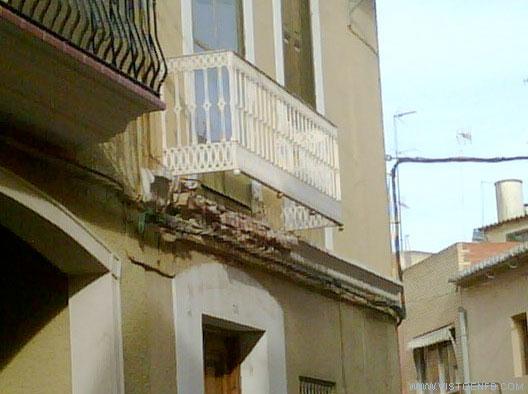 balcón,caida,suelo