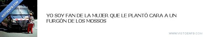 furgoneta,mossos,mujer