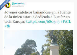 Enlace a Católicos bañándose con Lucifer