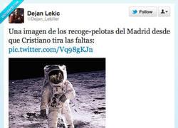 Enlace a Los recogepelotas del Madrid por @Dejan_Lekiller