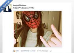 Enlace a A Batman también le picó una araña