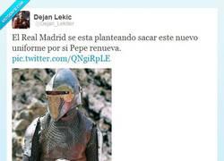 Enlace a El futuro uniforme del Real Madrid por @Dejan_Lekiller